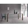 tavolo-con-piedi-in-legno-e-top-in-vetro-tonelli-livingstand